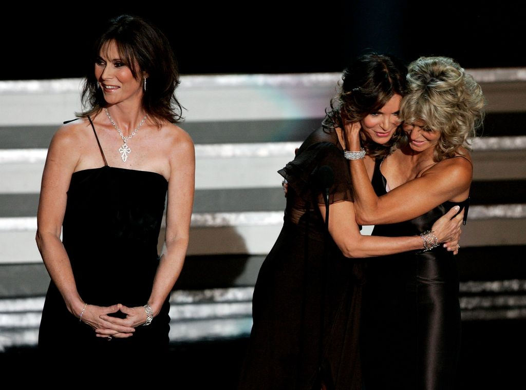 Kate Jackson, Jaclyn Smith, and Farrah Fawcett at the 58th Annual Primetime Emmy Awards on August 27, 2006 | Photo: GettyImages