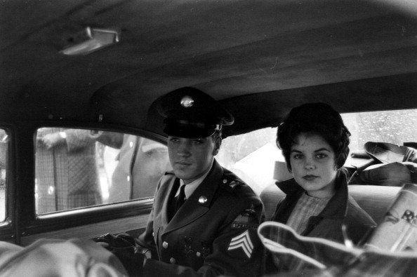 Elvis and Priscilla leave the house he and his family occupied in Bad Nauheim, Germany | Photo: Getty Images