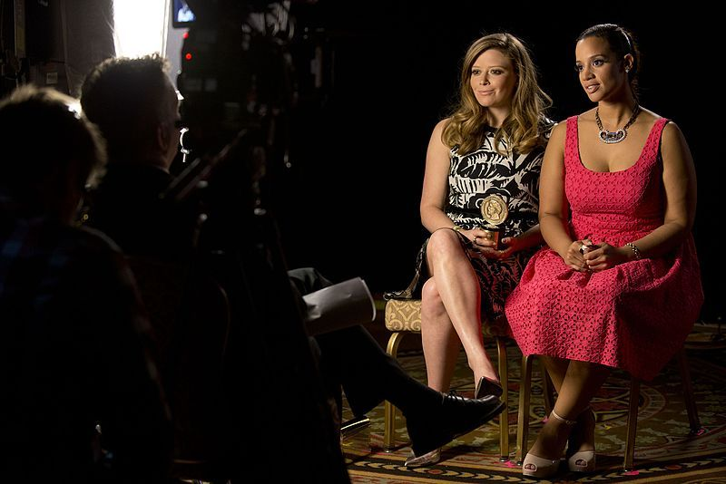 Natasha Lyonne and Dascha Polanco during a Peabody interview. | Source: Wikimedia Commons